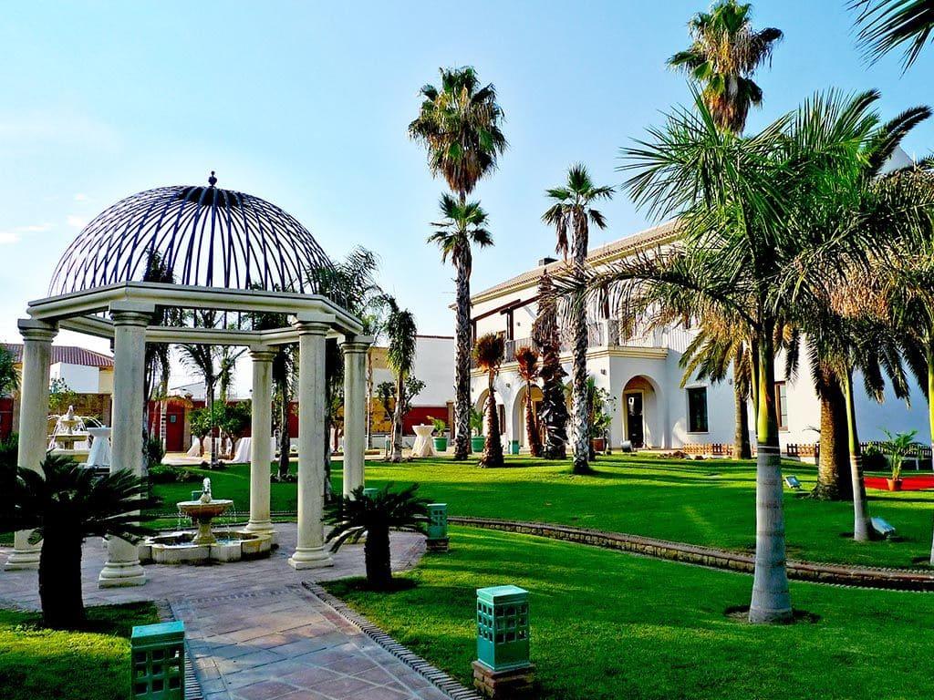 Dona-francisquita-catering-la-tosca-Marbella-wedding.com