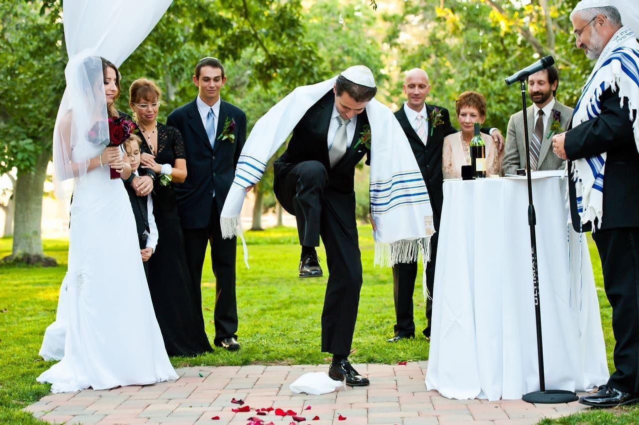 Jewish Wedding Traditions Breaking the cup | weddings in Spain www.marbella-wedding.com